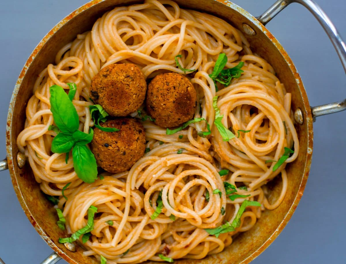 spaghetti sun dried tomato cream chickpea meatballs